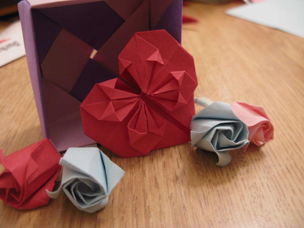 Как сделать оригами из сердечек